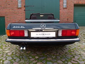 Mercedes Benz 300 SL R107