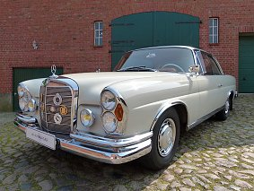 Mercedes Benz 220 SE Coupe W111